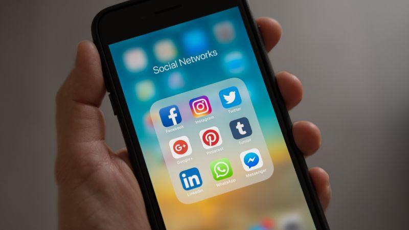 Does Social Media Help or Hurt Your PR Effort?