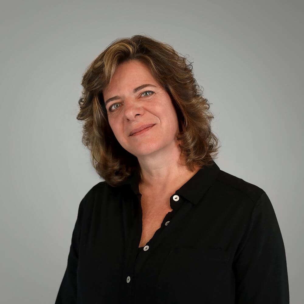 Carolynn Employee Headshot